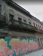 Foto Casa en Venta en  Ciudad Vieja ,  Montevideo  Piedras y Juan Carlos Gómez - Casona para Reciclar en el Bajo de Ciudad Vieja