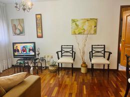 Foto Departamento en Venta en  Tres Cruces ,  Montevideo  Planta Baja, un dorm impecable!