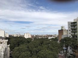 Foto Departamento en Venta en  Pocitos ,  Montevideo  HERMOSO DUPLEX PARA AGGIORNAR