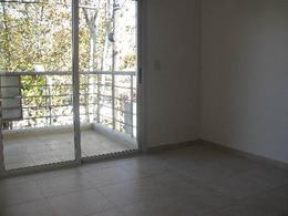 Foto Departamento en Alquiler en  S.Fer.-Vias/Centro,  San Fernando  PERON 1470 4 A