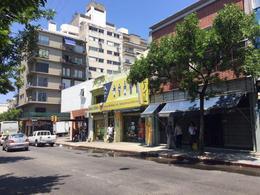 Foto Local en Venta en  Centro (Montevideo),  Montevideo  PAYSANDU 100