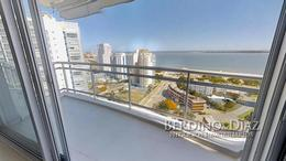 Foto Departamento en Venta en  Playa Mansa,  Punta del Este  Apartamento en Sunrise Tower en uno de los Pisos más Altos de Punta del Este