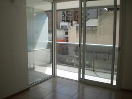 Foto Departamento en Alquiler en  Nueva Cordoba,  Capital  Av. VELEZ SARSFIELD al 800