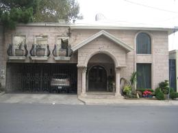 Foto Casa en Renta en  Del Valle,  San Pedro Garza Garcia  Casa en Renta en la Col.  Del Valle esta remodelada  (RB)