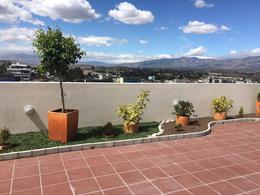 Foto Departamento en Alquiler en  Cumbayá,  Quito  Cumbayá, cerca al parque de Cumbayá
