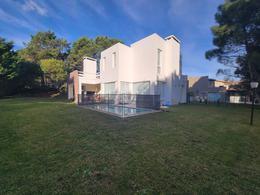 Foto Casa en Venta en  Pinamar Chico,  Pinamar  Penelope al 100