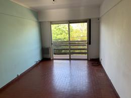 Foto Departamento en Alquiler en  Lomas De Zamora,  Lomas De Zamora  Cabildo 297 2º C