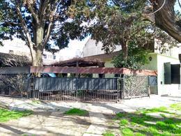 Foto thumbnail Casa en Venta en  Turdera,  Lomas De Zamora  SANTA INES 550 Esq. Guido Spano