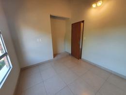 Foto Casa en Venta en  Luque ,  Central  Vendo Dúplex De 3 Dormitorios A Estrenar En Luque