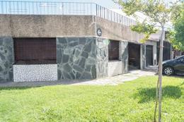Foto Casa en Venta en  Azcuenaga,  Rosario  ROUILLON 908 A