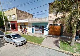 Foto thumbnail Local en Alquiler en  Moreno ,  G.B.A. Zona Oeste  Local - Saavedra 85 - Lado sur