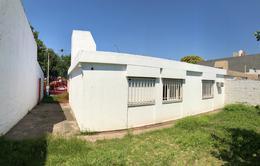Foto Casa en Venta en  Poeta Lugones,  Cordoba  Roberto Cayol al 3300
