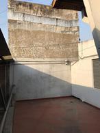 Foto PH en Alquiler en  Lanús Oeste,  Lanús  Farrel al 2400