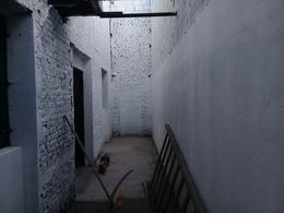 Foto Galpón en Alquiler en  Zapiola,  Lujan  Independencia Nº 2491