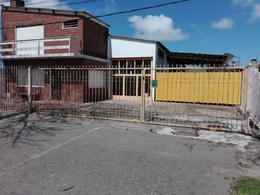 Foto Local en Venta en  Maldonado ,  Maldonado  Excelente galpon apto construccion