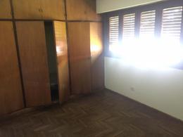 Foto Casa en Venta en  Adrogue,  Almirante Brown  Amenedo 598