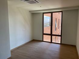 Foto Departamento en Venta en  Querétaro ,  Querétaro  Lujoso Departamento en Venta en La Gota Residencial, Querétaro