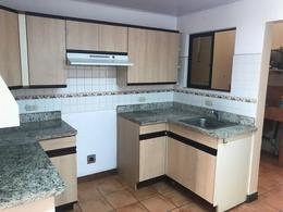 Foto Casa en condominio en Renta en  Escazu ,  San José  Cómoda Casa en Escazú/ Amplia/ Piscina