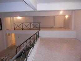 Foto Edificio Comercial en Venta en  Adrogue,  Almirante Brown  Spiro 1021