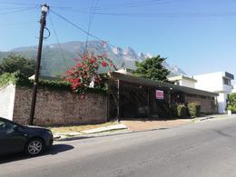 Foto Casa en Venta en  Cumbres 3er Sector,  Monterrey  COLONIA CUMBRES 3ER SECTOR CASA DE UN PISO TERRENO GRANDE