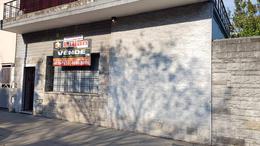 Foto Casa en Venta en  Mataderos ,  Capital Federal  Corvalan al 1300 Casa sobre lote doble frente