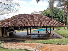 Foto Departamento en Renta en  San Rafael,  Escazu  Increíble Vista / Country Club Escazú / Tres habitaciones