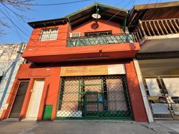 Foto Local en Venta en  Villa Ballester,  General San Martin  Almirante Brown al 3300