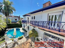 Foto Casa en Venta en  Lomas de Zamora Oeste,  Lomas De Zamora  JUAN LARREA 100