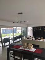Foto Casa en Venta en  Capital ,  Neuquen  Jujuy al 1100