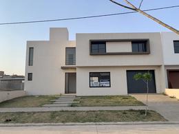 Foto Casa en Venta en  Comarca de Allende,  Villa Allende  COMARCA DE ALLENDE  – CASA EN VENTA A ESTRENAR - 2 PLANTAS - 3 DORMITORIOS  + PLAYROOM