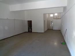 Foto Local en Alquiler en  Capital ,  Neuquen  Linares 90