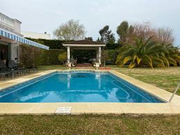 Foto Casa en Venta en  Guillermo E Hudson,  Berazategui  cc. abril club de campo retoños 25