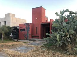 Foto Casa en Venta en  Solares de San Alfonso,  Villa Allende  Casa en venta en Solares de San Alfonso. Lote central. Recibe departamento.
