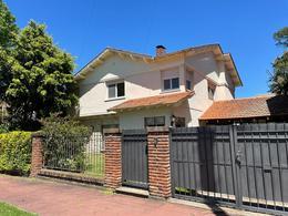 Foto Casa en Alquiler en  Mart.-Vias/Libert.,  Martinez  Estrada al 2500