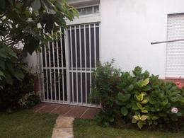 Foto Casa en Venta en  Caseros,  Tres De Febrero  3 de Febrero al 4300