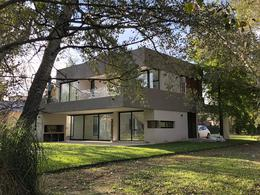 Foto Casa en Venta | Alquiler en  Saint Thomas,  Countries/B.Cerrado  Venta/alquiler - Casa a estrenar en Saint Thomas Oeste