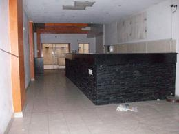 Foto Local en Alquiler en  Caballito ,  Capital Federal  AVELLANEDA AV. 13