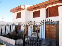 Foto Casa en Venta en  Trelew ,  Chubut  Pecoraro al 1400
