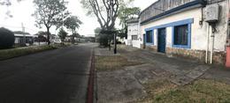 Foto Casa en Venta en  Aires Puros ,  Montevideo  Maximo Gomez esq Spikerman - esquina ideal para Proyecto!!
