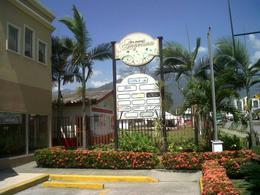 Foto Local en Renta en  Guadalupe,  San Pedro Sula  Amplio Local Comercial en Plaza Angelina
