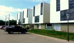 Foto Casa en Venta en  San Miguel De Tucumán,  Capital  Duplex PB  Alt. Av. América Y Venezuela- Financiado!