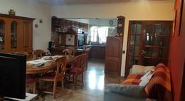 Foto Casa en Venta en  Monte Grande,  Esteban Echeverria  Rivadavia al 300