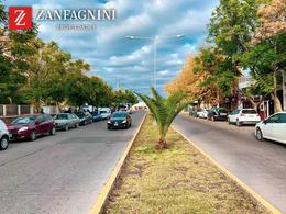 Foto Casa en Venta | Alquiler en  San Martin ,  Mendoza  San Lorenzo y Salta