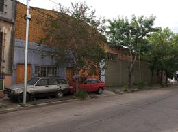 Foto Galpón en Venta en  Valentin Alsina,  Lanús  FARREL 300