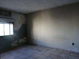 Foto Casa en Venta en  Capurro ,  Montevideo  Casa de 2 dormitorios en venta en Capurro