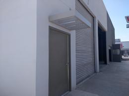 Foto Bodega Industrial en Renta en  Via Rapida,  Tijuana  Rentamos magnifica bodega 351 mts² con bastantes oficinas 527 mts²  suman 878  mts² Via Rapida pon