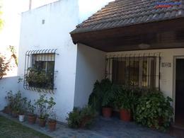 Foto thumbnail Casa en Venta en  Open Door,  Lujan  Casa cómoda sobre Avenida Cabred , todos los servicios