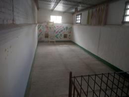 Foto Local en Alquiler en  Aguada ,  Montevideo  Aguada - sobre Agraciada esquina de 200 m2 - ideal Comercio