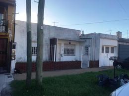 Foto Casa en Venta en  Lomas de Zamora Oeste,  Lomas De Zamora  Boero 480