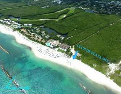 Foto Terreno en Venta en  Solidaridad,  Playa del Carmen  Lote Residencial Country Club Mayakoba con 345m2